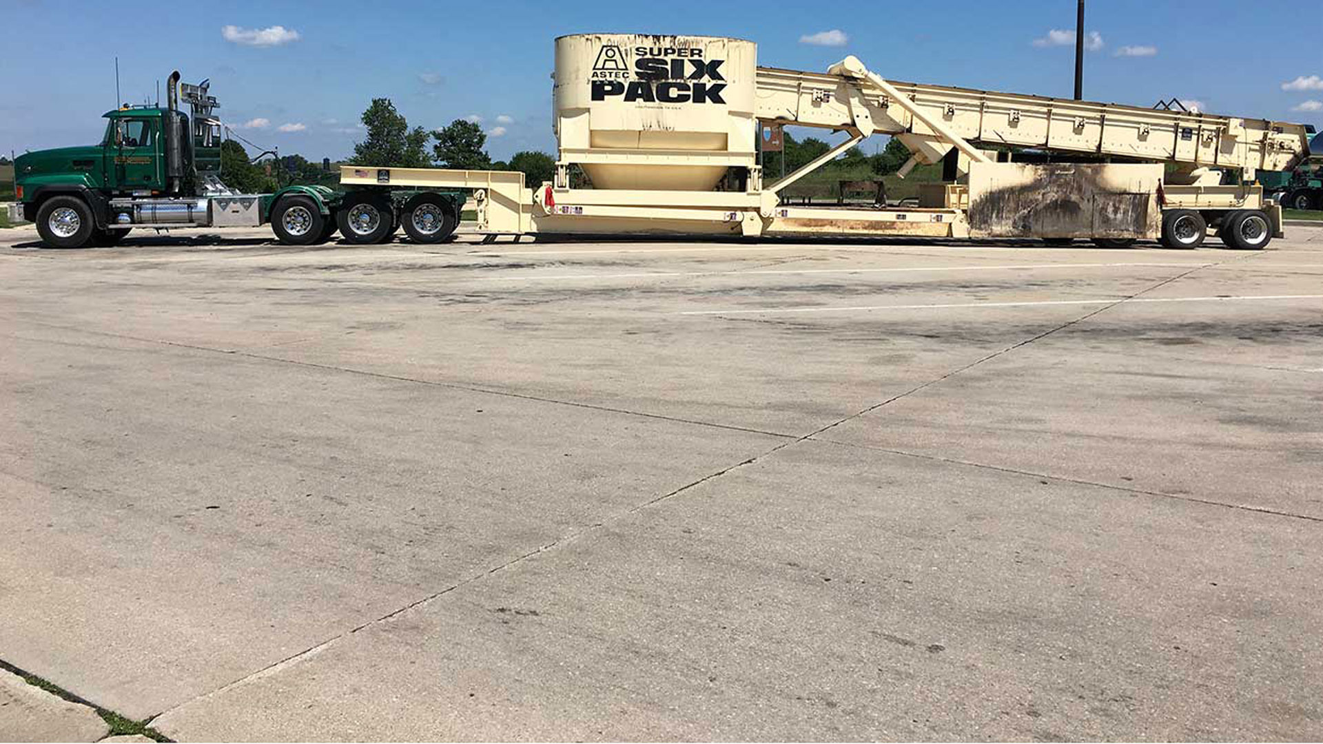 About Us   Peoria Heavy Hauling, Flatbed and Tanker